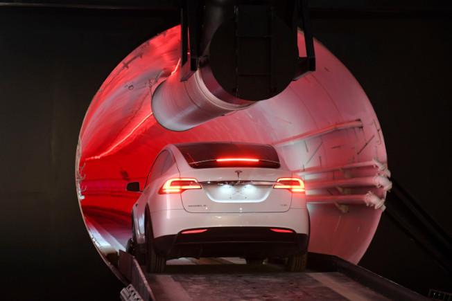 Tesla Model 3車主抱怨碰到酷寒天氣,愛車電池電量就降低。(美聯社)