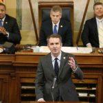 維州民主黨領導人頻出包 可能便宜共和黨