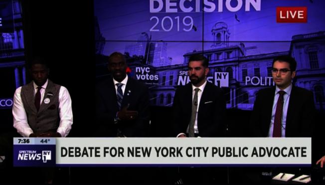紐約市下任公益維護人選舉6日舉行首場電視辯論,市議員烏爾里希(右一)表示反對關閉雷克島監獄。(辯論視頻截圖)