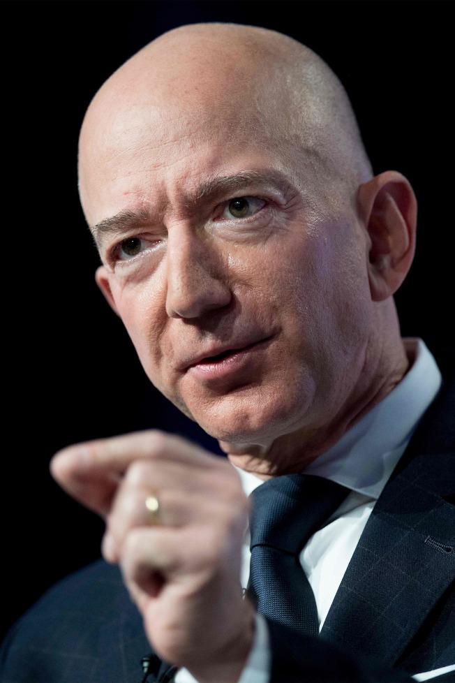 亞馬遜執行長貝佐斯指稱遭「國家詢問報」以裸照「勒索」,一石激起千層浪。(Getty Images)
