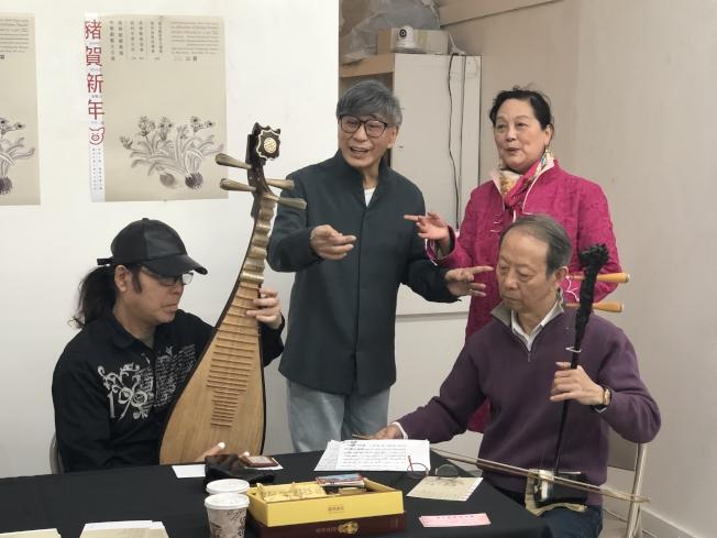 伍鼎宏(左起)、周龍章、陳泓以及趙剛共同合作演唱小段。(記者張晨/攝影)
