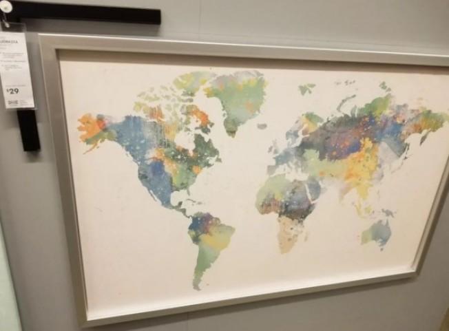 美國華盛頓特區Ikea販售的世界地圖上,竟然少了紐西蘭。取自Reddit