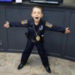 今日最感人 6歲女癌童  誓當一日警   打擊癌壞人 警長監誓淚崩