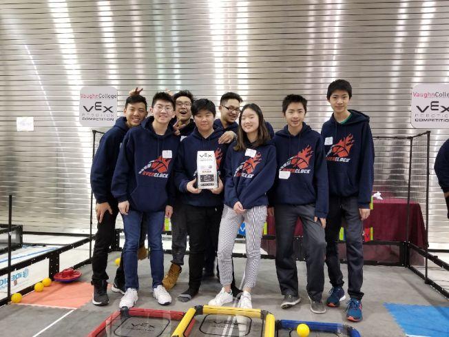 幼獅電腦班有不少華裔學生,9日晉級紐約州冠軍賽後表示,對拿下世界機器人大賽門票很有信心。(記者賴蕙榆/攝影)