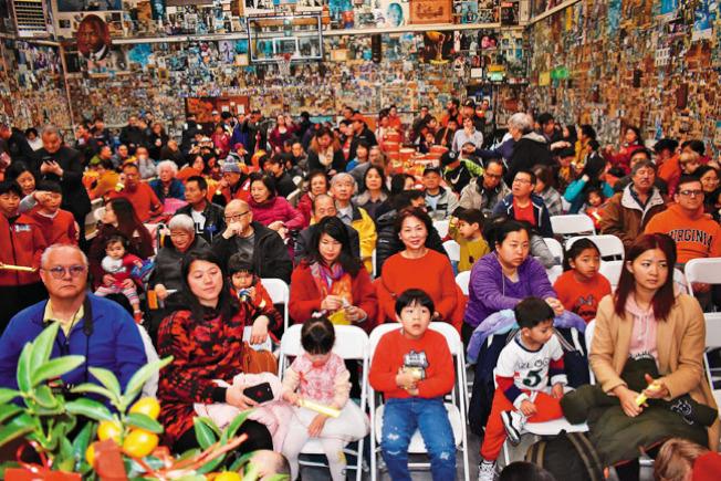 300多華裔居民參加此次慶祝會。(記者黃少華/攝影)