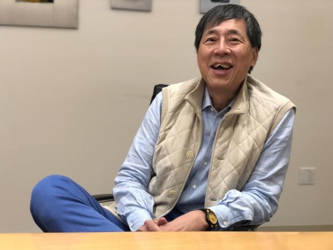 鮑選耀原本是工程師,但決定自行創業,成為成功的地產開發商。(記者李榮/攝影)