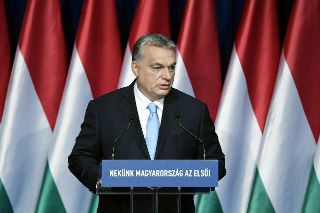 匈牙利总理奥班10日宣布,生下四名或四名以上的匈牙利女性可终生免缴所得税。美联社