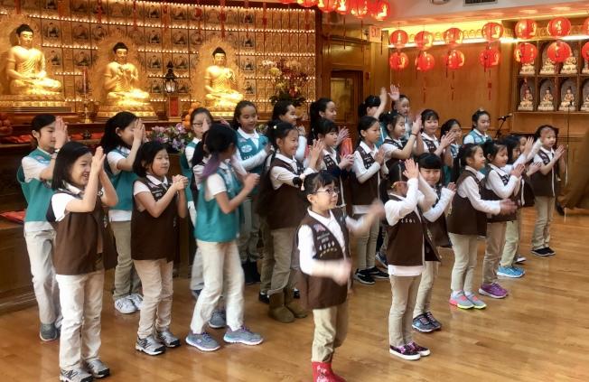 女童軍帶來舞蹈表演。(記者朱蕾/攝影)