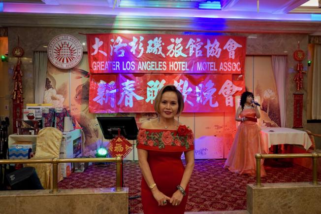 大洛杉磯旅館協會10日在海寶潮粵酒家舉行「2019新春聯誼晚會」。圖為會長湯梅英。(記者陳開/攝影)