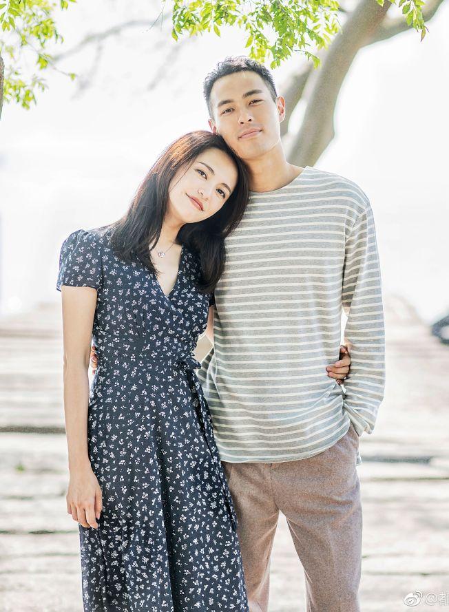 《都挺好》由姚晨(左)、楊祐寧攜手演出。(取材自微博)