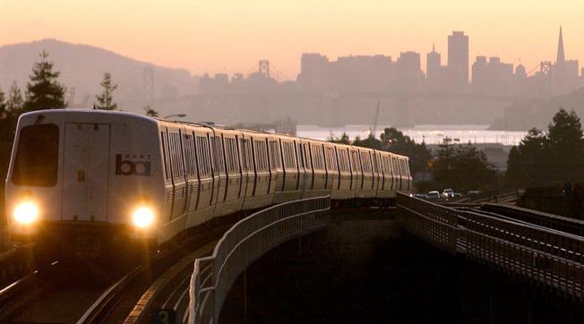 灣區捷運11日起實施新運行時間,乘客最好先查妥相關資訊。(Getty Images)