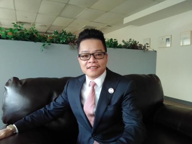 王永應說,一半以上的福州移民都是三代同堂。(韓傑/攝影)