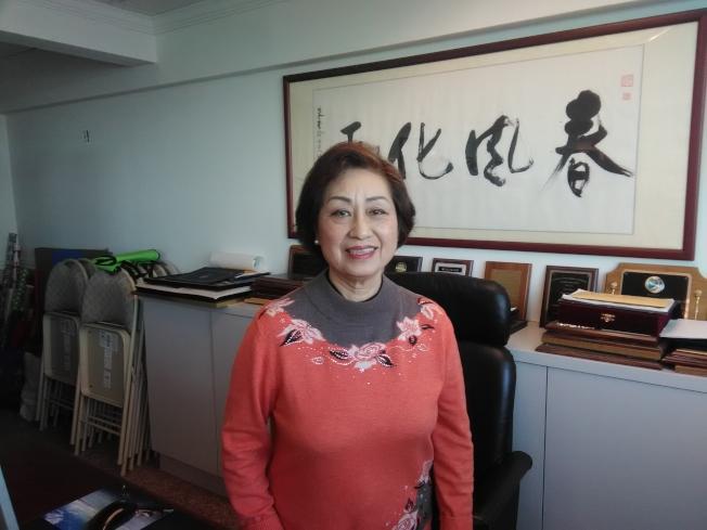 朱寶玲說,早年華人移民的子女比較獨立。(韓傑/攝影)
