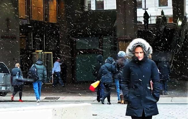 美國國家氣象局已發布麻州冬季風暴預告,若氣象圖勢態不變,麻州地區周二將降雪2-4吋。(記者唐嘉麗/攝影)