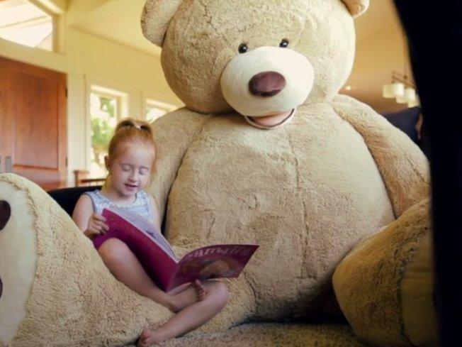 好市多的超大絨毛玩具熊。  網路圖片