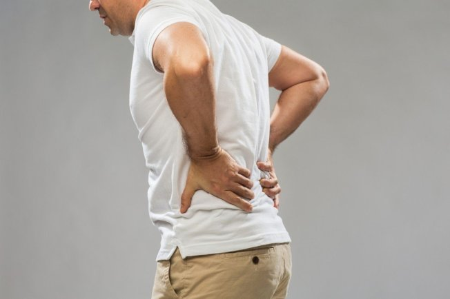 有調查顯示,近4成5的僵直性脊椎炎患者,從發病到確診歷經超過100個月(約8年);另有患者歷經14年才確診。照片為示意圖。圖/ingimage
