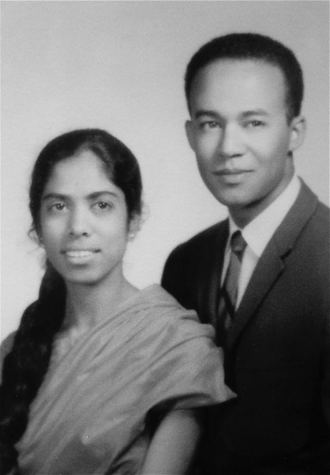 賀錦麗的父親(右)來自牙買加,母親(左)來自印度。(賀錦麗提供)