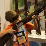 床下找到上膛槍 西雅圖4歲童誤射母親