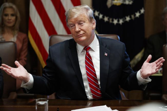 川普總統12日表示,國會兩黨11日晚就邊境安全、移民築牆預算達成的「原則協議」(agreement in principle),他並不滿意(not happy with)。美聯社