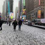 〈圖輯〉天降冰雨 公路溼滑 紐約市交通挑戰大
