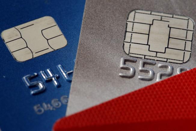近年來信用卡提供用戶在餐館消費獎勵的競爭更趨激烈,經常外食者若善加利用,享受「白吃的午餐」並非不可能。(美聯社)