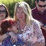 校園槍案後相擁痛哭  2母親如今為限槍立場對立