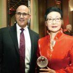 僑領方李邦琴獲頒全球領導力獎