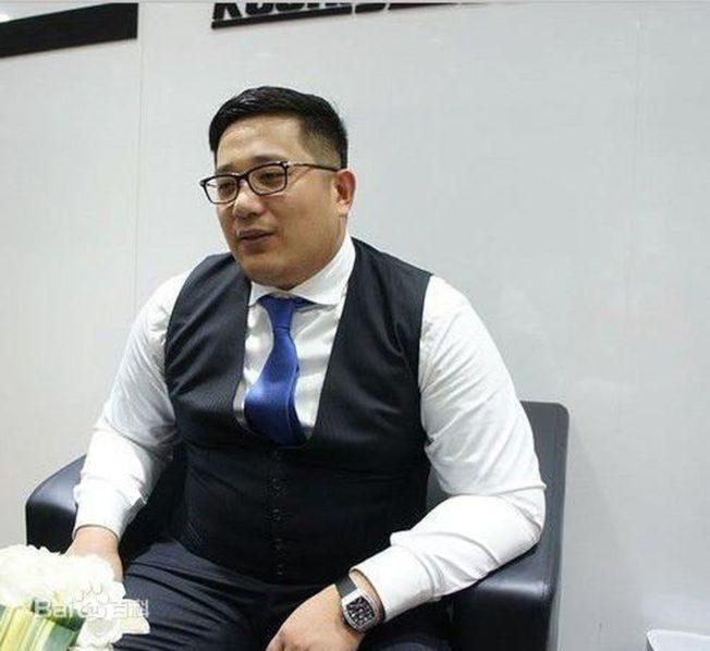 河北富二代6000萬買超跑 員工列隊交車