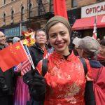 〈圖輯〉熱愛中華文化 外族裔爭看紐約新春遊行