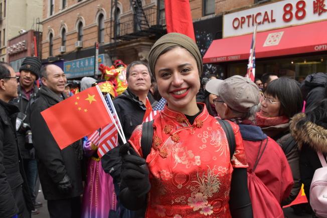Jasmine Elkafrawi曾搬到中國工作過兩年,在接觸並了解中華文化後深深愛上中國,回來紐約後就開始參加新春大遊行。(記者顏嘉瑩/攝影)