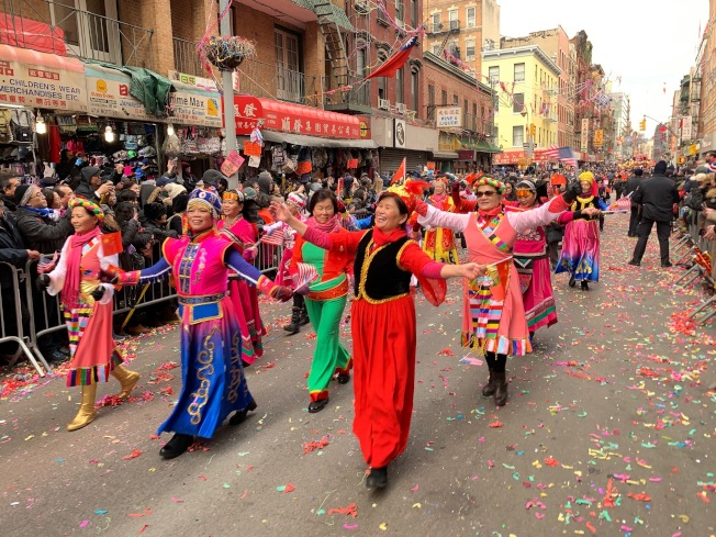 第20屆紐約新春愛心花車大遊行,17日於曼哈頓華埠熱鬧展開。(記者和釗宇/攝影)