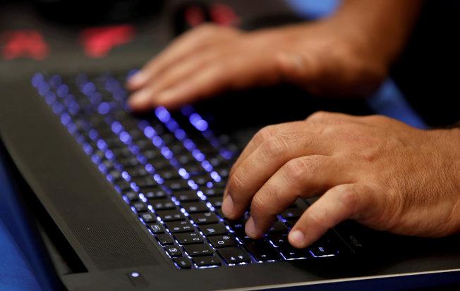 纽时:中国重启网攻回应美贸易战