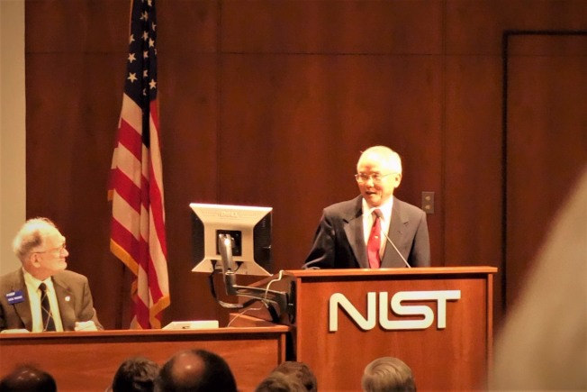服務34年後,材料科學家吳文立於2013年申請退休。(吳文立提供)