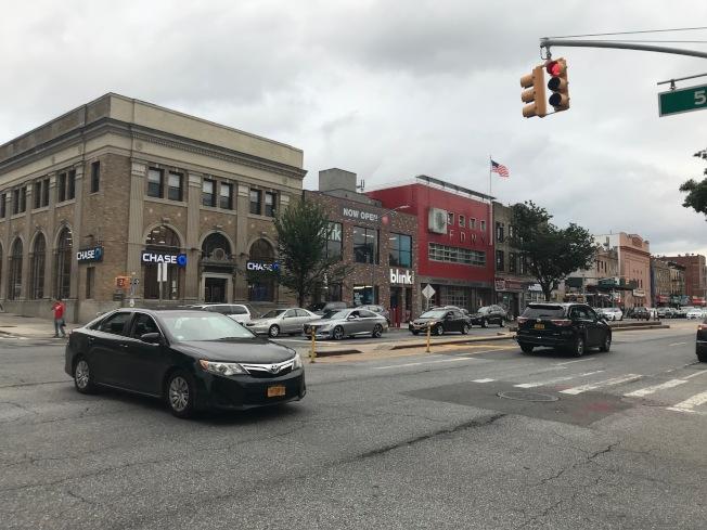 布碌崙房市雖然也遭遇逆風,但整體情況較曼哈頓為佳,更多買家將目光投向房價更加實惠的區域。(記者和釗宇/攝影)