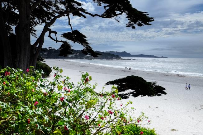 卡梅爾的白色沙灘。