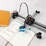 中國學生買「寫字機器人」抄作業  美媒:天才?作弊?