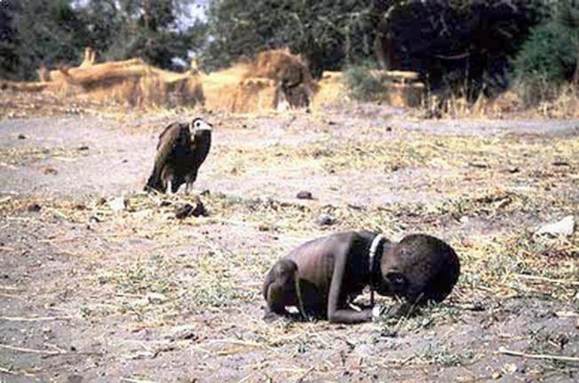 苏丹因为荒漠化,演变成长期的战争和混乱,新闻图片《饥饿的苏丹》就是在这样的背景产生。(取材自维基百科)