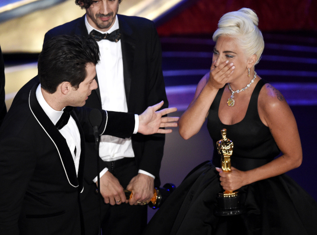女神卡卡首度獲得奧斯卡獎。(美聯社)