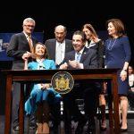葛謨簽紅旗法案 紐約州成全美控槍最嚴
