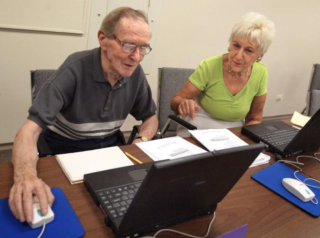 新稅法的部分規定對老年人有影響,其中最大的影響可能是醫療費扣減。(Getty Images)
