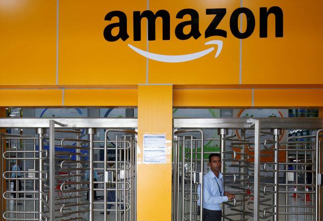 美國消費者評比電子商務,好市多首度擊敗亞馬遜。(路透)