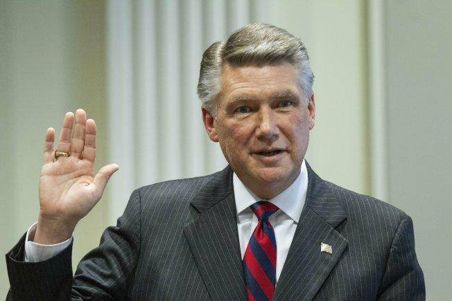 去年贏得北卡羅來納州聯邦眾議員選舉,卻因涉及選舉舞弊而當選無效的共和黨候選人哈里斯,26日以健康問題宣布不參加重新選舉。(美聯社)