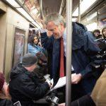 白思豪搭地鐵 宣傳開徵堵車費救MTA
