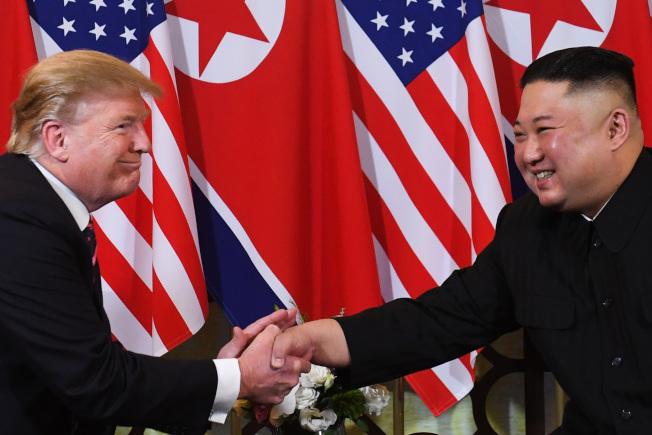 川金二會在越南河內登場,川普與北韓領導人金正恩一對一會談。路透