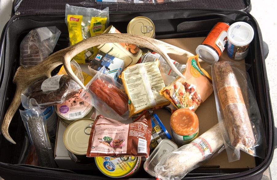 豬肉產品是禁止攜帶入境美國的違禁品之一,違者最高罰1萬元。(USDA提供)