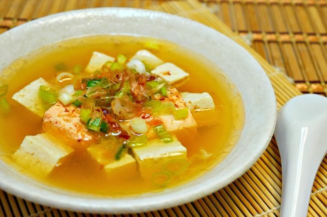 味噌豆腐鮭魚湯。