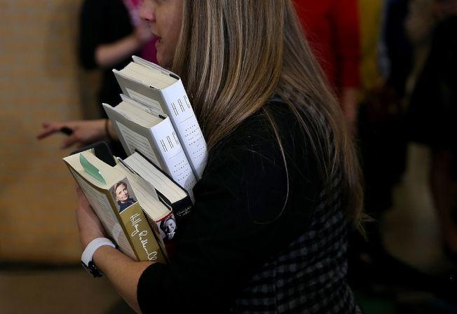 為追求整齊必須丟棄藏書?愛書人士大呼辦不到。(Getty Images)