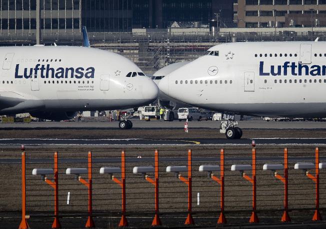 德国汉莎航空公司(Lufthansa)最近起诉了一名跳过航班的乘客。(美联社)