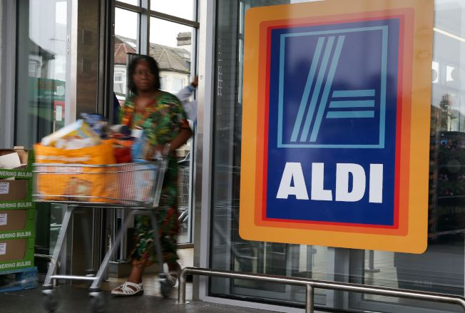 消費者數據公司Dunnhumby列出13家最便宜超市,以物廉價美著稱的德國超市Aldi高居首位。(Getty Images)