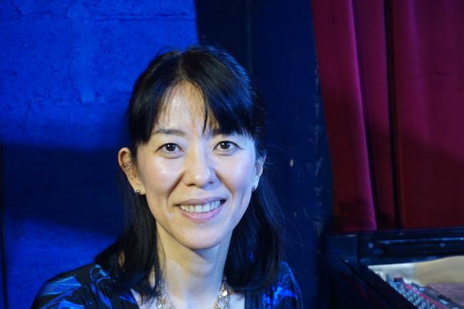 山本惠理在柯妮莉亞街咖啡館表演了約20年。(王若馨/攝影)